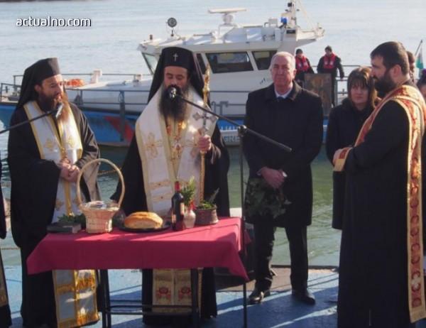 photo of Видин отбелязва Никулден с литийно шествие и молебен на брега на Дунав