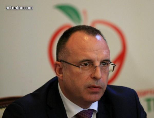 photo of Биопроизводители поискаха оставката на Порожанов (СНИМКА)