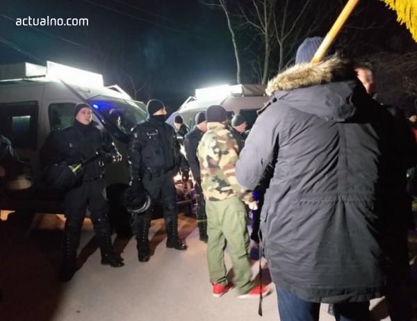 photo of От ВМРО отрекоха търговия с ромски гласове, от Войводиново командоси заплашиха да се заемат с проблема