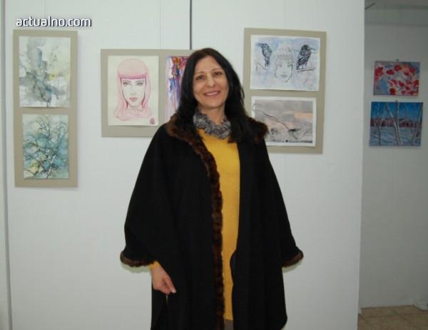 photo of Художничка от Монтана подреди 55 картини в изложба
