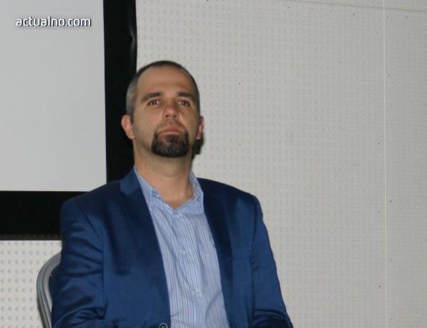 photo of Първан Симеонов: ГЕРБ е в упадък, но може да прескочи политическия трап