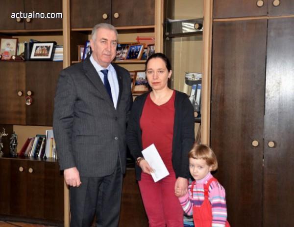 photo of Кметът на Видин направи дарение за болно дете