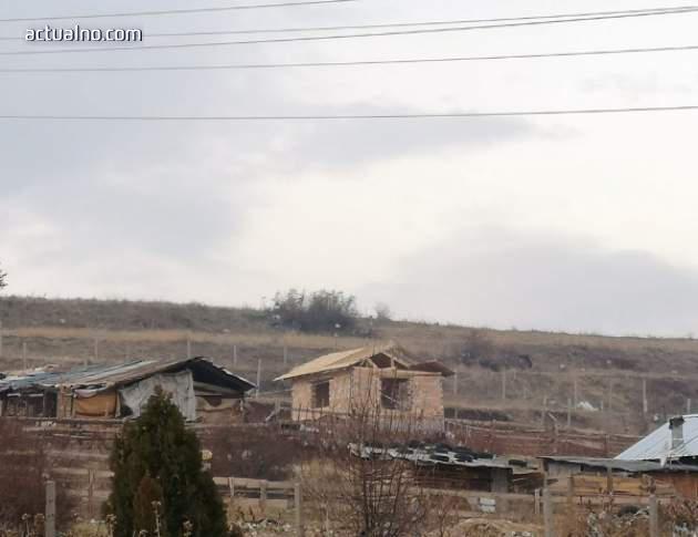 photo of Мълчанието на чиновниците: Има ли нови незаконни постройки в ромската махала на Асеновград?