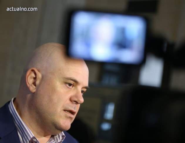 photo of Как вижда Гешев прокуратурата: Силно медийно присъствие и по-малко мониторинг