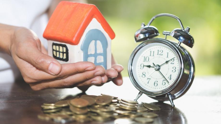 Заемите, чиито изплащания са замразени поради , възлизат на 30