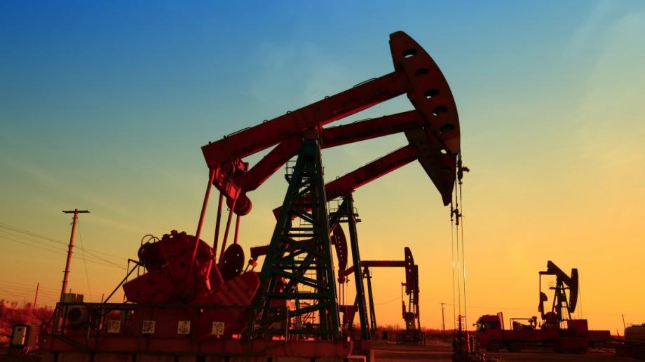 Петролът поскъпва с около 5%, след като Организацията на страните