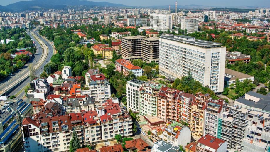 Близо 40% от новите жилища у нас са с две