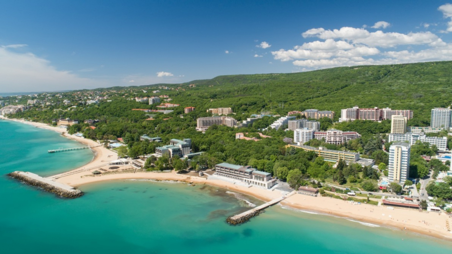 Руските граждани масово продават имотите си по българското Черноморие. Причина