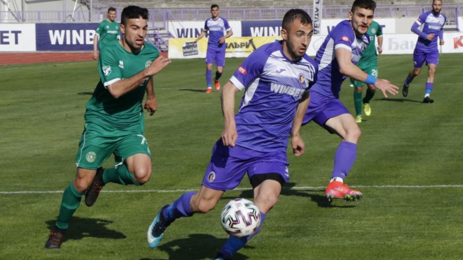 Етър и Ботев Враца завършиха 0:0 в зрелищен мач на стадион